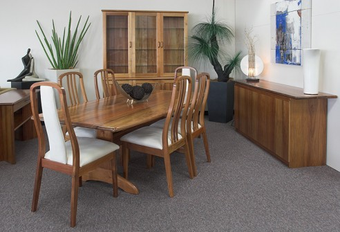 6-seater-Boat-Dining-Table-492×335